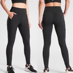 ATHLETA Headlands Hybrid Cargo Tight Black P6
